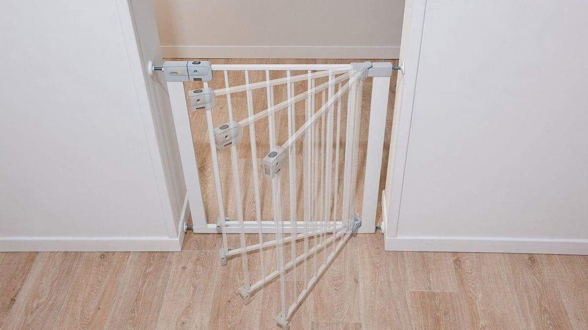 Barrera de seguridad para puertas y escaleras Safety 1st Easy Close Metal barata, barreras para niños baratas, ofertas hogar, chollo
