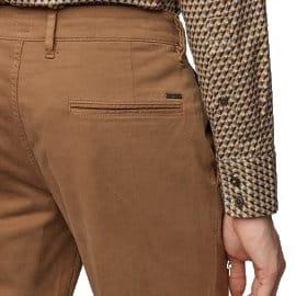 Pantalones chinos casual slim fit Hugo Boss baratos, ropa de marca barata, ofertas en pantalones