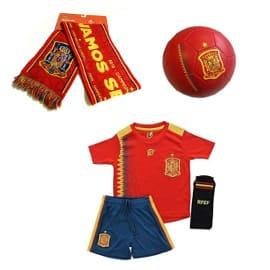 ¡Regalazo! Equipación para niño, balón y bufanda de la selección Española sólo 22.89 euros. Sólo en Blogdechollos.