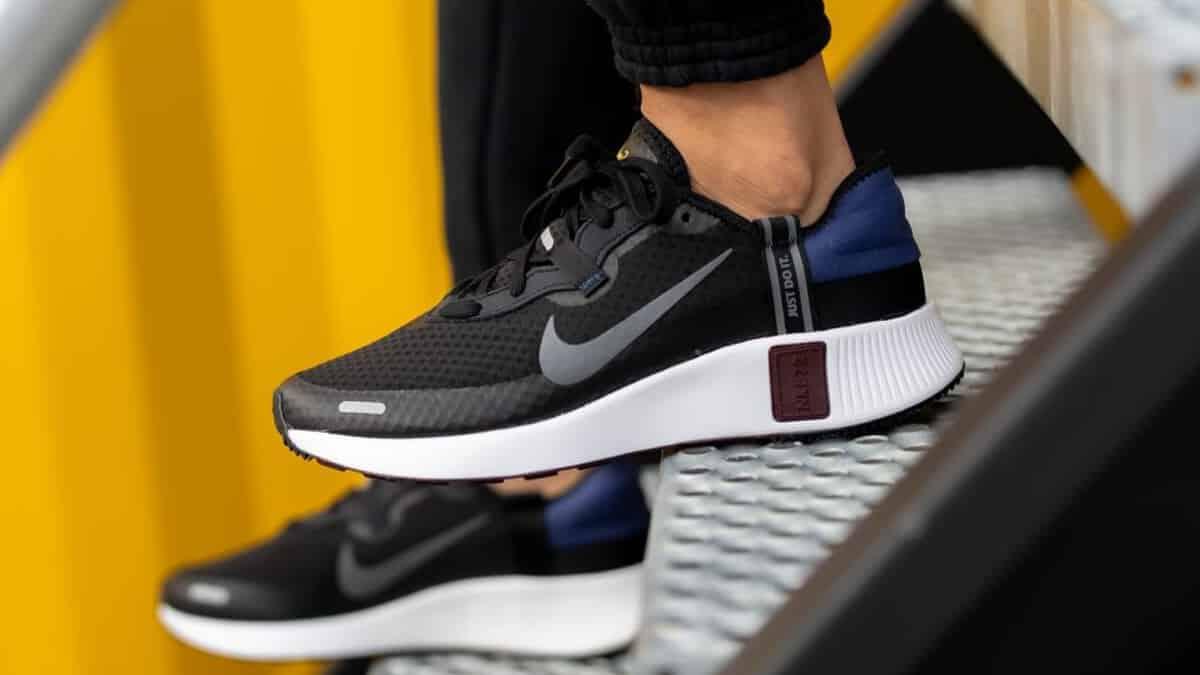 Zapatillas Nike Reposto baratas, calzado de marca barato, ofertas en zapatillas deportivas chollo