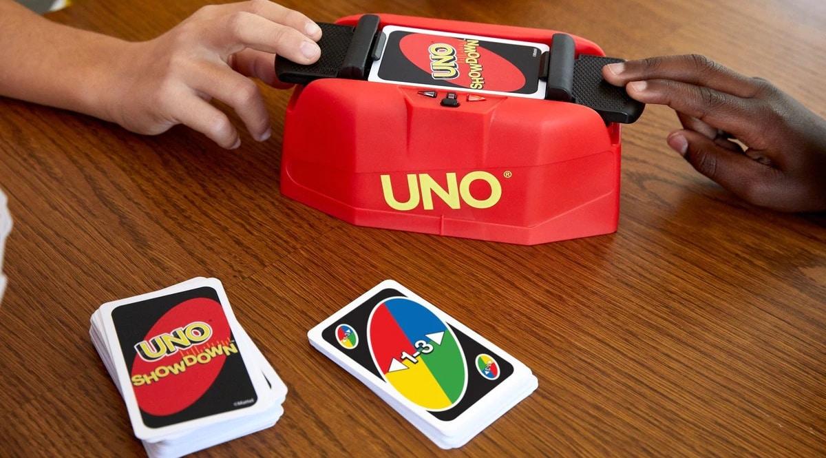 Juego de cartas Mattel Games UNO Showdown barato, juegos de mesa de marca baratos, ofertas en juguetes, chollo