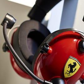 ¡¡Chollo!! Auriculares gaming Thrustmaster T.Racing Scuderia Ferrari Edition sólo 49.99 euros.